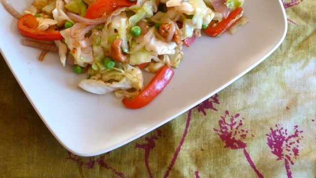 Stir-fried cabbage with cashews