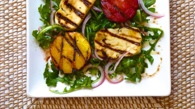 Arugula Salad with Grilled Fruit